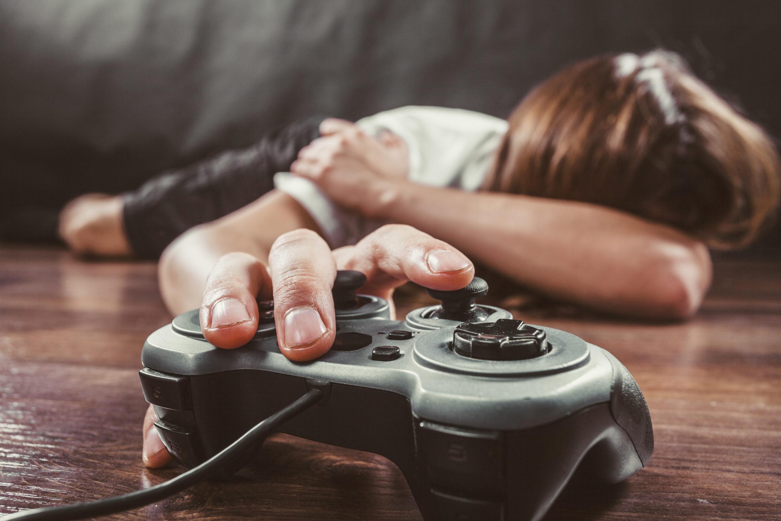 ゲーム障害(依存症)とは?小学生・中学生の症状、診断、治療法を心理師が解説